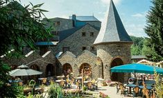 Belgische Ardennen: 1-3 nachten met ontbijt Ardennes, Rafting, Barcelona Cathedral, Backpacking, Amsterdam, Hotels, Restaurant, Mansions, House Styles