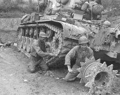 Brown Water Navy, Military Engineering, Army Day, Ww2 Tanks, Military Diorama, Battle Tank, Military History, Ww2 History, Korean War