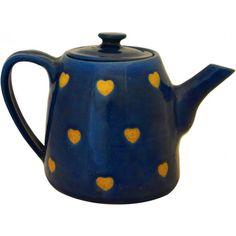 En direct du Népal, théière coup de coeur en céramique, issue du commerce équitable, 34,90 € http://www.boutique-artisans-du-monde.com/artisanat/theiere-coeurs.html