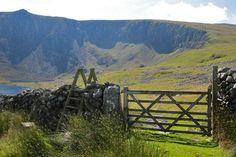 Garnedd Goch - Stile, looking towards Cwm Silyn crags Garden Ornaments, Stiles, Britain, Ireland, Scenery, Walking, Backyard, Mountains, World