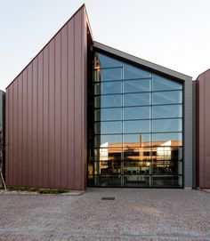 New Vittorio Emanuele Marzotto Business Center Architecture Metal, Factory Architecture, Watercolor Architecture, Contemporary Architecture, Contemporary Design, Shed Design, Facade Design, Building Design, Exterior Design