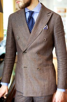 takeitofftherack:  Brown linen, my favorite summer color. Suitsupply Soho linen suit, Drakes tie and Berg and Berg ps.