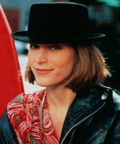 Bridget Fonda in Singles