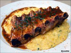 Costillar de cerdo con pure de chuchoca Chilean Food, Chilean Recipes, Recipe For Mom, Salads, Pork, Food And Drink, Sweets, Restaurant, Meat