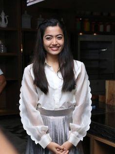 Indian Actress Rashmika Mandanna Long Hair Smiling Face TV actress Photographs TV ACTRESS PHOTOGRAPHS | IN.PINTEREST.COM #ENTERTAINMENT #EDUCRATSWEB
