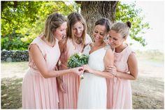 Bridesmaids! Costal wedding at Jomfruland, Kragerø // Bryllup ved havet på Jomfruland utenfor Kragerø