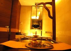 Hotel Deal Checker - The Lalit New Delhi