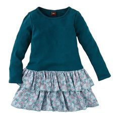 Perfect for a day at school or playtime at home, the Herbstlaub Tiered Dress for girls is navy for the demure little one. Shop for girls at Tea Collection. Size 7 or 8