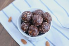 Simple 5-Minute Chocolate Almond Protein Energy Bites