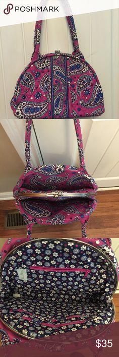 Vera Bradley purse Vera Bradley purse. Like new! No trades or Paypal, PLEASE! Vera Bradley Bags Shoulder Bags