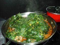 de l'exotisme gastronomique goûteux avec différentes sortes de brèdes à la place des légumes.