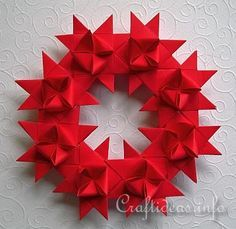 Christmas Crafts - Paper Crafts - German Star Paper Wreath