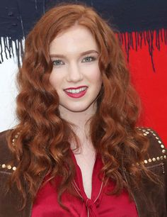 Annalise Basso Long Curls - Annalise Basso sported ultra-sweet curls at the Tommy Hilfiger fashion show.