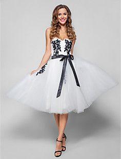 uma linha-namorada do joelho-comprimento de tule vestido de ... – BRL R$ 193,38