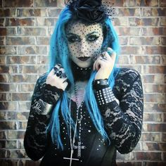 Allison Eckfeldt also known as Kazlovesbats on Youtube, She is also a blogger as well as the lead singer of the band Esoterik. Love her style!.