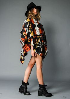 Fashiontrend Poncho - Pinko Poncho new collection available now at maximilian.it