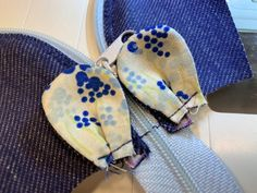 Best 8 Purse as a jeans mouse – sewing instructions and cut – – SkillOfKing.Com Jean Crafts, Denim Crafts, Bag Patterns To Sew, Sewing Patterns Free, Free Sewing, Felted Wool Crafts, Diy Bags Purses, Recycle Jeans, Sewing Hacks