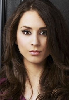 Troian Bellisario's hair and makeup here is perfect