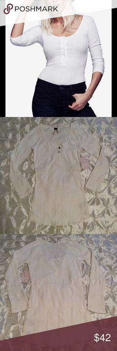 Free People Ivory Long Sleeve Top 3/4 sleeve buttoned white top by Free People. Material: 95% Cotton 5% Spandex. New with tag and extra button. 💋 Free People Tops Tees - Long Sleeve