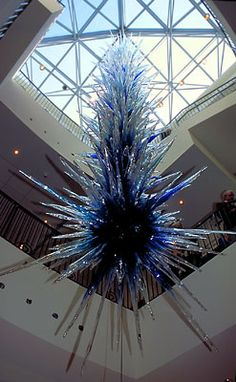 NAPLES MUSEUM OF ART ICICLE CHANDELIER, 2000