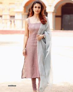 Simple and elegant. Nayanthara styled by Anu Vishnuvardhan in Viswasam. Churidar Designs, Kurti Neck Designs, Dress Neck Designs, Kurta Designs Women, Kurti Designs Party Wear, Blouse Designs, Indian Fashion Dresses, Dress Indian Style, Indian Outfits