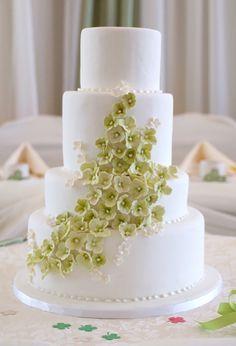 Wedding cake with hydrangea sugar flowers