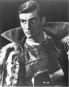 Paul Darrow as Edmund in 'Lear' (argh, why so beautiful???)