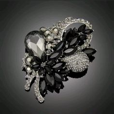 Beautiful Black Gemstone Brooch