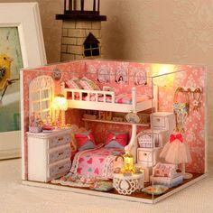 D'origine véritable 3d bricolage assembler maison doux rose chambre superposés lit led dollhouse match sylvanian familles cadeau pour enfants
