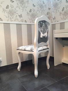 Chaise médaillon restaurée fait-main toile de Jouy vichy blanc noir dentelle noeud Campagne Shabby Chic de la boutique Monautrefois sur Etsy
