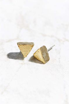 Maple + Mauve Gold Leaf Triangle Earring - Urban Outfitters