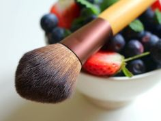 Vegan cosmetics: it's a blast!