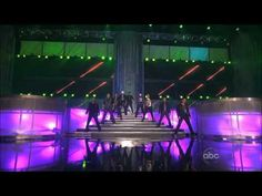 NKOTBSB - New Kids on the Block and Backstreet Boys performed a medley of their hits together at the AMAs