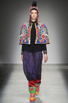 FALL 2014 READY-TO-WEAR Manish Arora