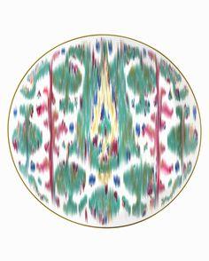 Voyage en Ikat new tableware from Hermes. Green pattern porcelain plate.