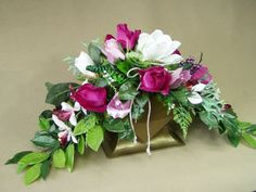Cemetery Flowers, Ikebana, My Flower, Fabric Flowers, Funeral, Floral Arrangements, Centerpieces, Floral Wreath, Projects To Try