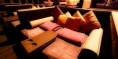 Al cinema sì... ma stesi! Arrivano i letti in sala  http://tuttacronaca.wordpress.com/2014/01/21/al-cinema-si-ma-stesi-arrivano-i-letti-in-sala/