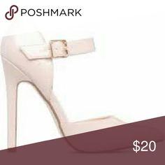 Brand New Shoedazzle Rhia Nude Never worn Shoes Heels