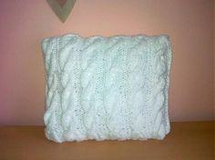 pletenypuf / Biely pletený vankúš