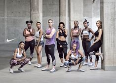 nike campaign Nike is using its Air VaporMax campaign to celebrate a group of visionary women who are reshaping sports and fusing it with culture. Group Photography, Fitness Photography, Nike Campaign, Nike Air Max Sale, Nike Ad, Fitness Photoshoot, Group Fitness, Poses, Spandex