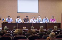 La Plataforma en Defensa de los Regadíos del Condado de Huelva acordó ayer, en asamblea extraordinaria, iniciar nuevas movilizaciones para exigir el agua superficial necesaria para garantizar el fu...