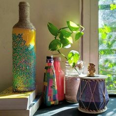 indian home decor Ft.interiorista for more home decor ideas. We take you through beautiful homes across the world . Tag us or use to get your beautiful abode featured on our handle Indian Room Decor, Ethnic Home Decor, Asian Home Decor, Diy Room Decor, Indian Home Interior, Indian Interiors, House Plants Decor, Plant Decor, Bottle Crafts