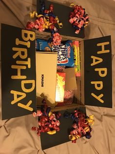 Birthday box to send a gift! – Geburtstag ideen Birthday box to send a gift! Birthday box to send a gift! The post birthday box to send gift! appeared first on Birthday ideas. Birthday Presents For Friends, Cute Birthday Gift, Unique Birthday Gifts, Best Friend Birthday, Free Birthday, Diy Birthday Box, 21st Birthday, Best Friend Presents, Birthday Surprise Ideas