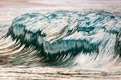 Perfectly Timed Photographs of Crashing Ocean Waves by Pierre Carreau
