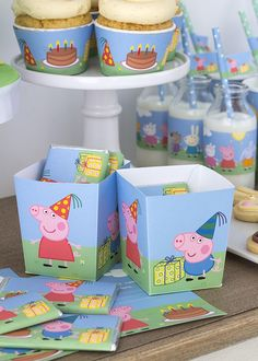 Peppa Pig is usually a British preschool computer animated tv sequence created by Astley Baker Peppa Pig Y George, George Pig Party, Pig Birthday, 3rd Birthday Parties, Third Birthday, Birthday Ideas, Peppa Pig Gratis, Peppa Pug, Cumple Peppa Pig