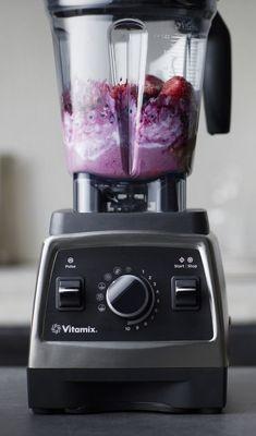 How to Make Frozen Dessert in Your Vitamix Blender (Vegan Healthy Blenders) Mini Desserts, Birthday Desserts, Frozen Desserts, Plated Desserts, Best Vitamix Blender, Blender Recipes, Vegan Vitamix Recipes, Yogurt Recipes, Weight Watcher Desserts