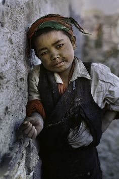Tibet,  by Steve McCurry (please repin with photographer's credits)