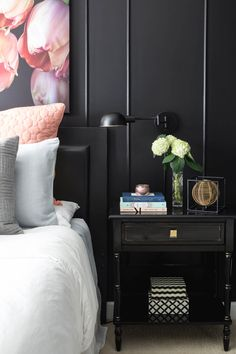 Black Bedroom - Black walls aren't dark and dreary. They're cozy and warm when paired with oversized floral art, pink pillows and accessories and gold details. Black and white photos, geometric pillows and baskets for final touches. Blush Bedroom, Bedroom Black, Black Bedding, Bedroom Sets, Home Bedroom, Bedroom Decor, Bedrooms, Cream Bedding, Bedding Inspiration