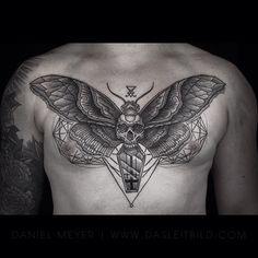 Skull/Moth chest tattoo via www.dasleitbild.com / www.fb.com/dasleitbild / www.pinterest.com/leitbild #chestpiece #moth #skull #deathsheadmoth #dotwork #geometric #leitbild