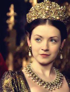 The Tudors Dresses | ... the-middle-of-a-daydream:Sarah Bolger as Lady Mary Tudor in The Tudors